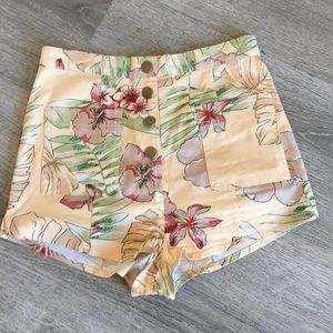 Urban outfitters high waisted shorts stretch small